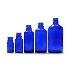 Butelki z niebieskiego szkła