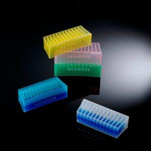 Zbiorniki na odczynniki flip-side – kolorowe, z rynienkami