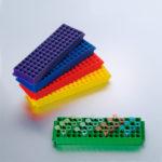 Zestaw statywów 80-miejscowych Top-Rack - b-0350 - zestaw-statywow-top-rack-w-roznych-kolorach-niebieski-zielony-fioletowy-czerwony-zolty - 5-szt